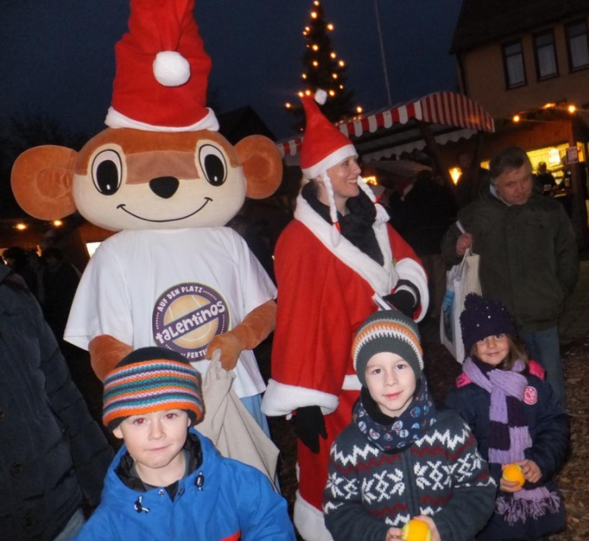 Ein Wiesel auf dem Oppersdorfer Weihnachtsmarkt